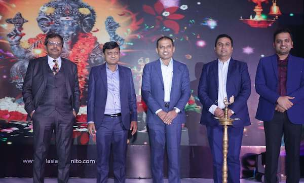 asian-granito-management-launches-exclusive-agl-bathware-range-nationally-at-a-dealer-meet-in-new-delhi-3