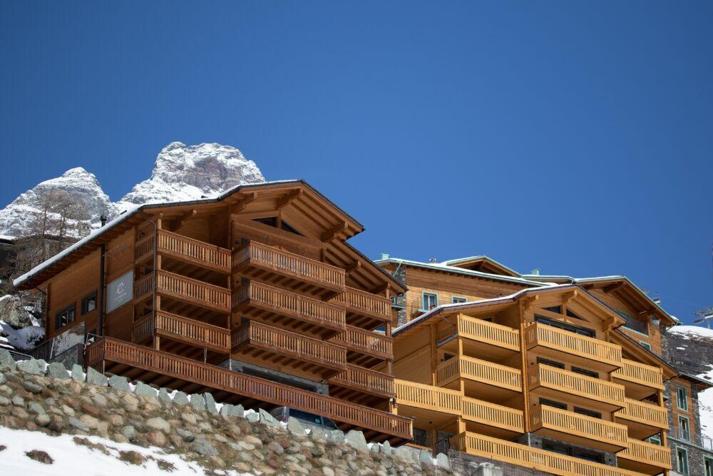 La Cresta Hotel